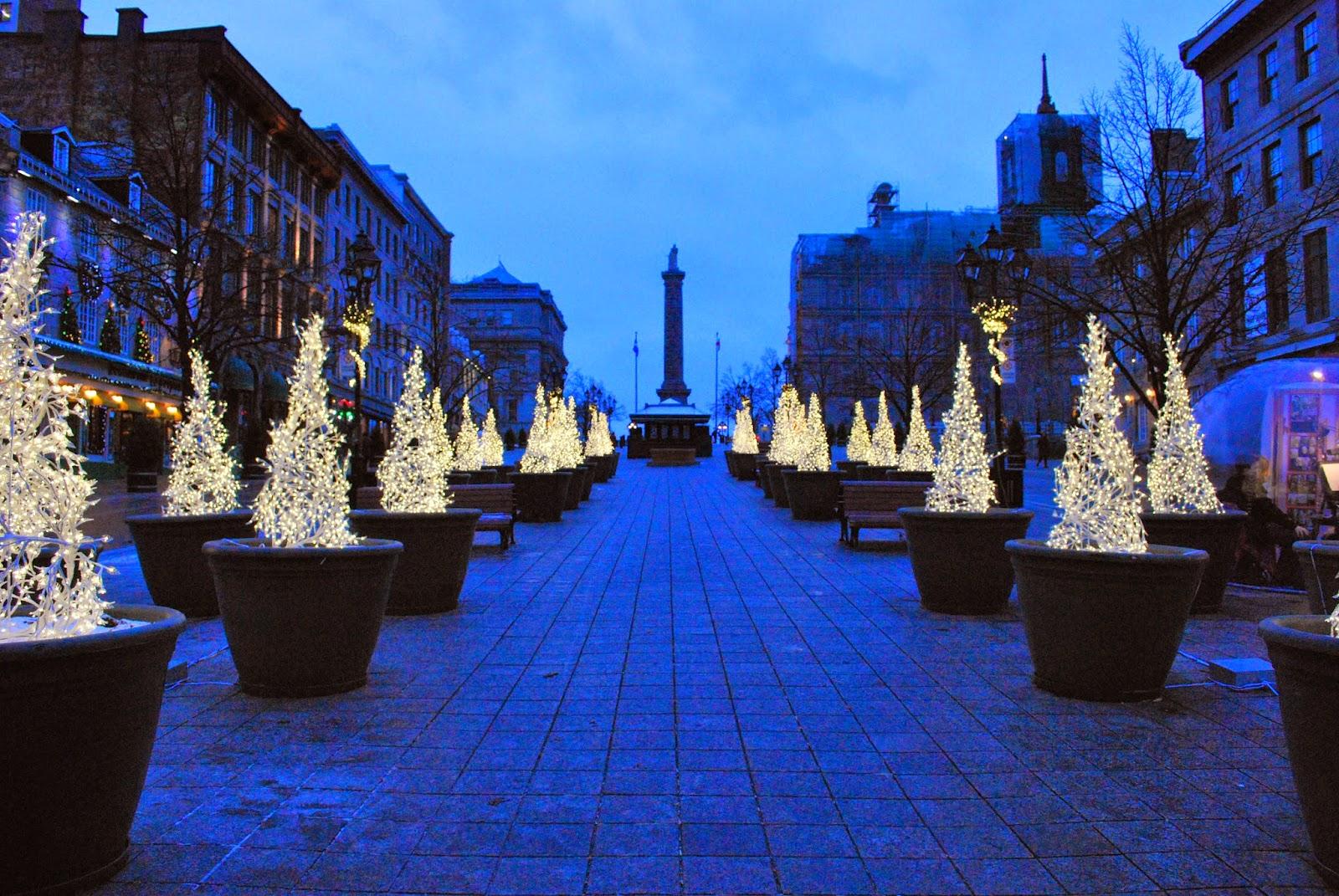 Christmas Lights Around Montreal – Red Boots Adventuress
